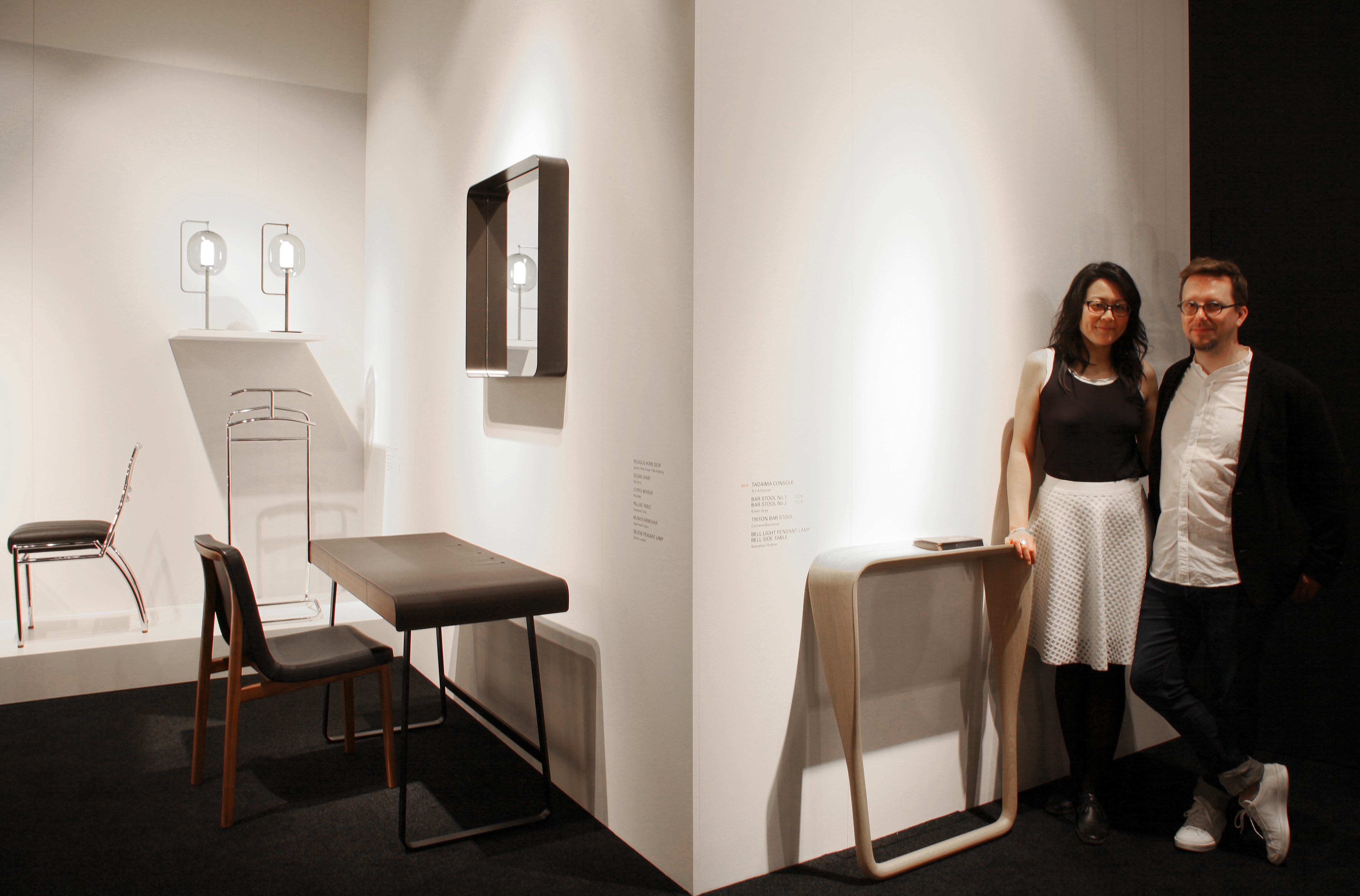 das sind die neuen tische von der mail nder m belwoche 2017 stylepark. Black Bedroom Furniture Sets. Home Design Ideas