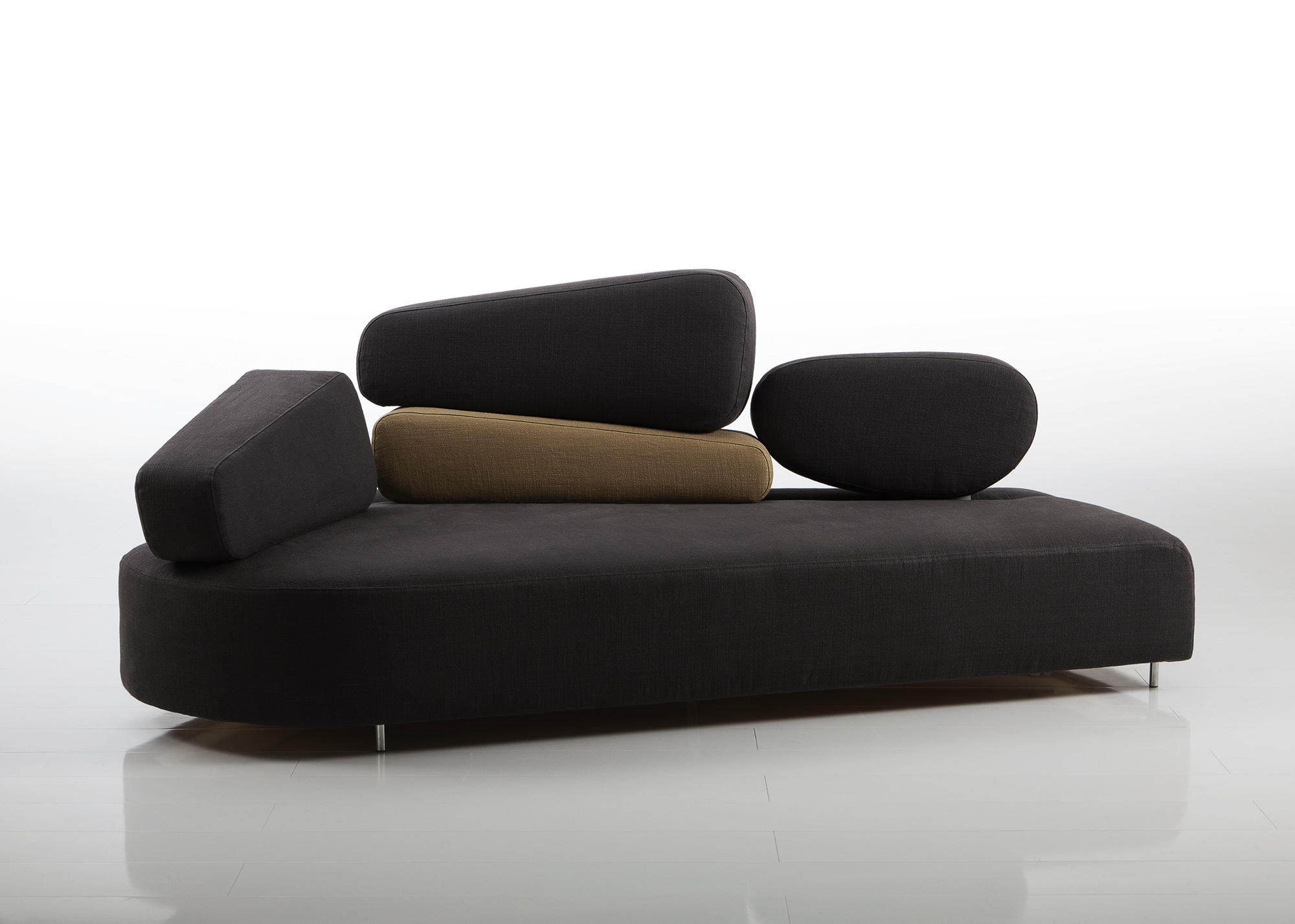 Mosspink sofa by Brühl