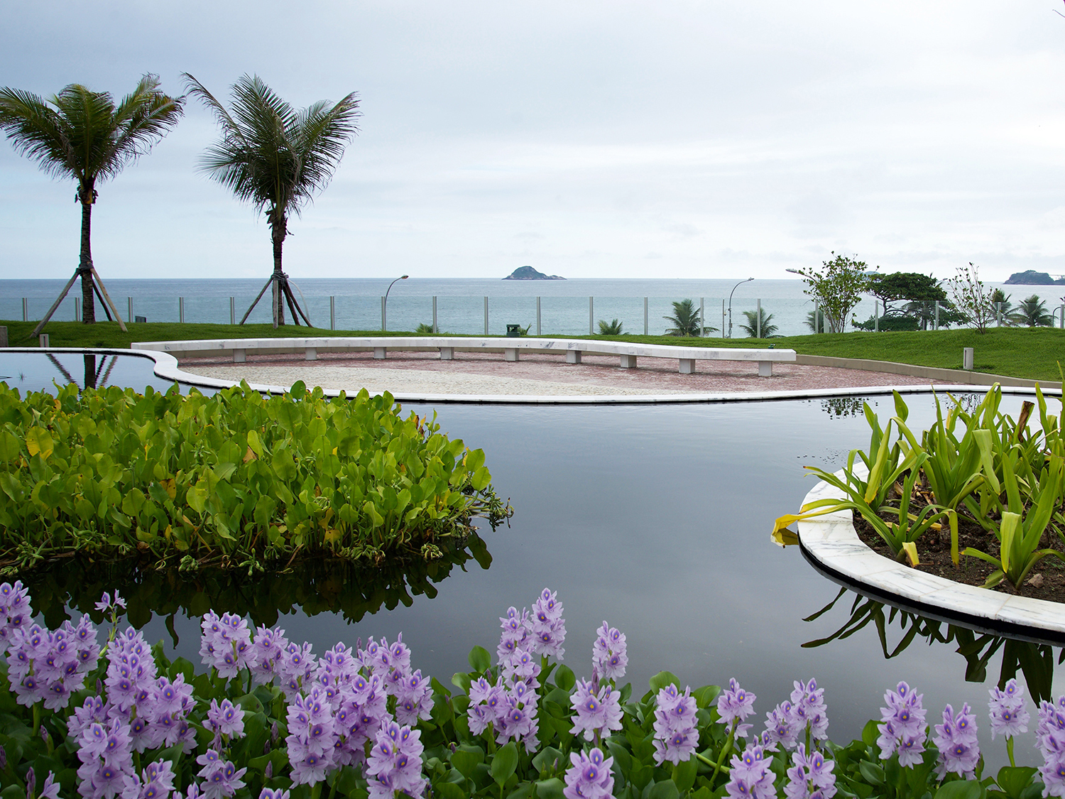 b7d419d121f964 Close to the sky  Roberto Burle Marx s roof garden on the top of the hotel  has also been reconstructed.