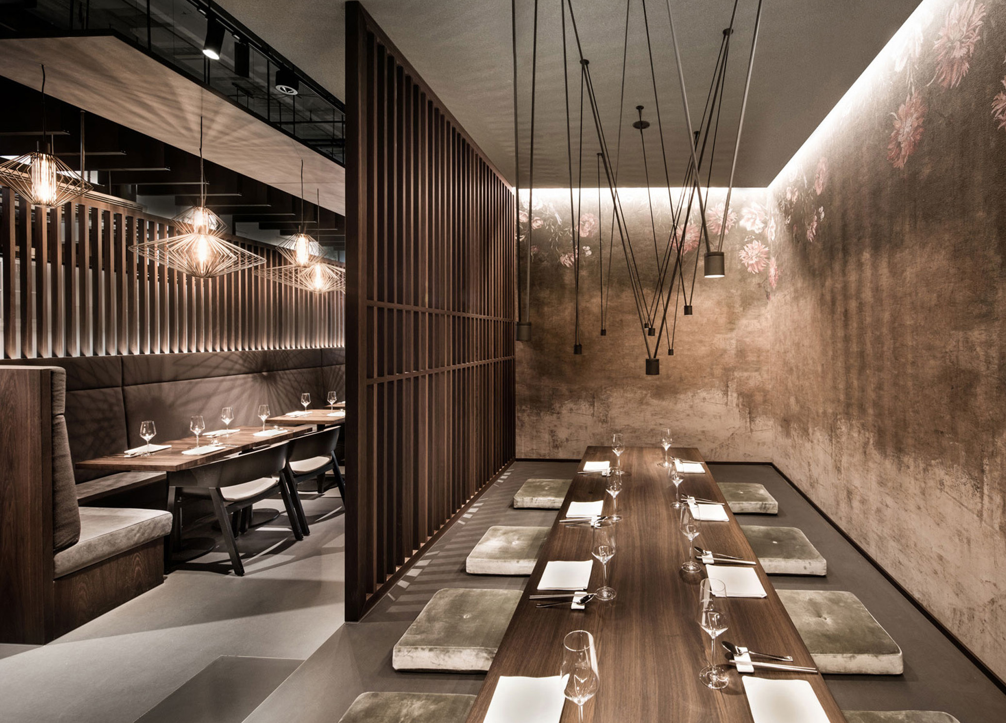 Quot Enso Sushi And Grill Quot Offers Seat Variations In Dark Wood