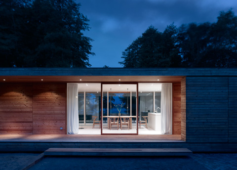 kontrast zum stadtleben haus am scharm tzelsee von doris sch ffler stylepark. Black Bedroom Furniture Sets. Home Design Ideas
