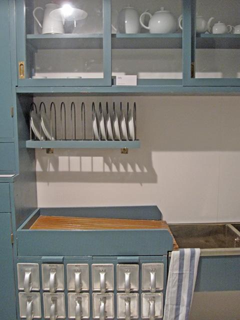 Margarete Schütte-Lihotzky entwarf die Frankfurter Küche, ein ...