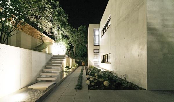 Blocher Blocher Partners betonkubus mit fernbedienung stylepark