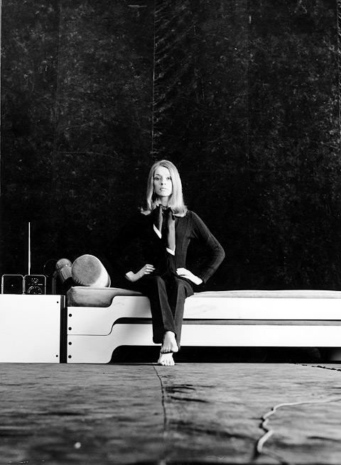 forging a new world stylepark. Black Bedroom Furniture Sets. Home Design Ideas
