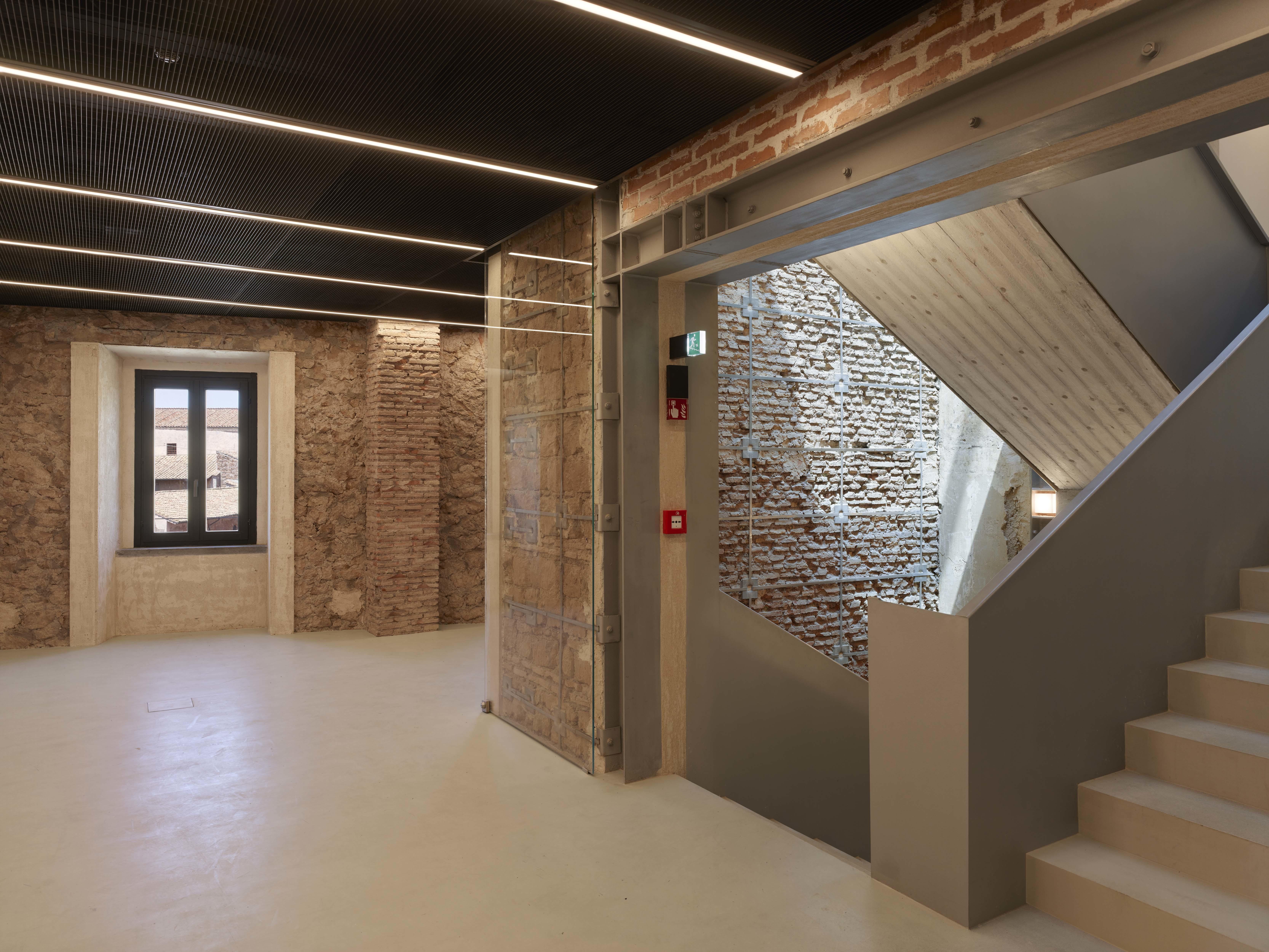 die fondazione alta fendi in rom von ateliers jean nouvel. Black Bedroom Furniture Sets. Home Design Ideas
