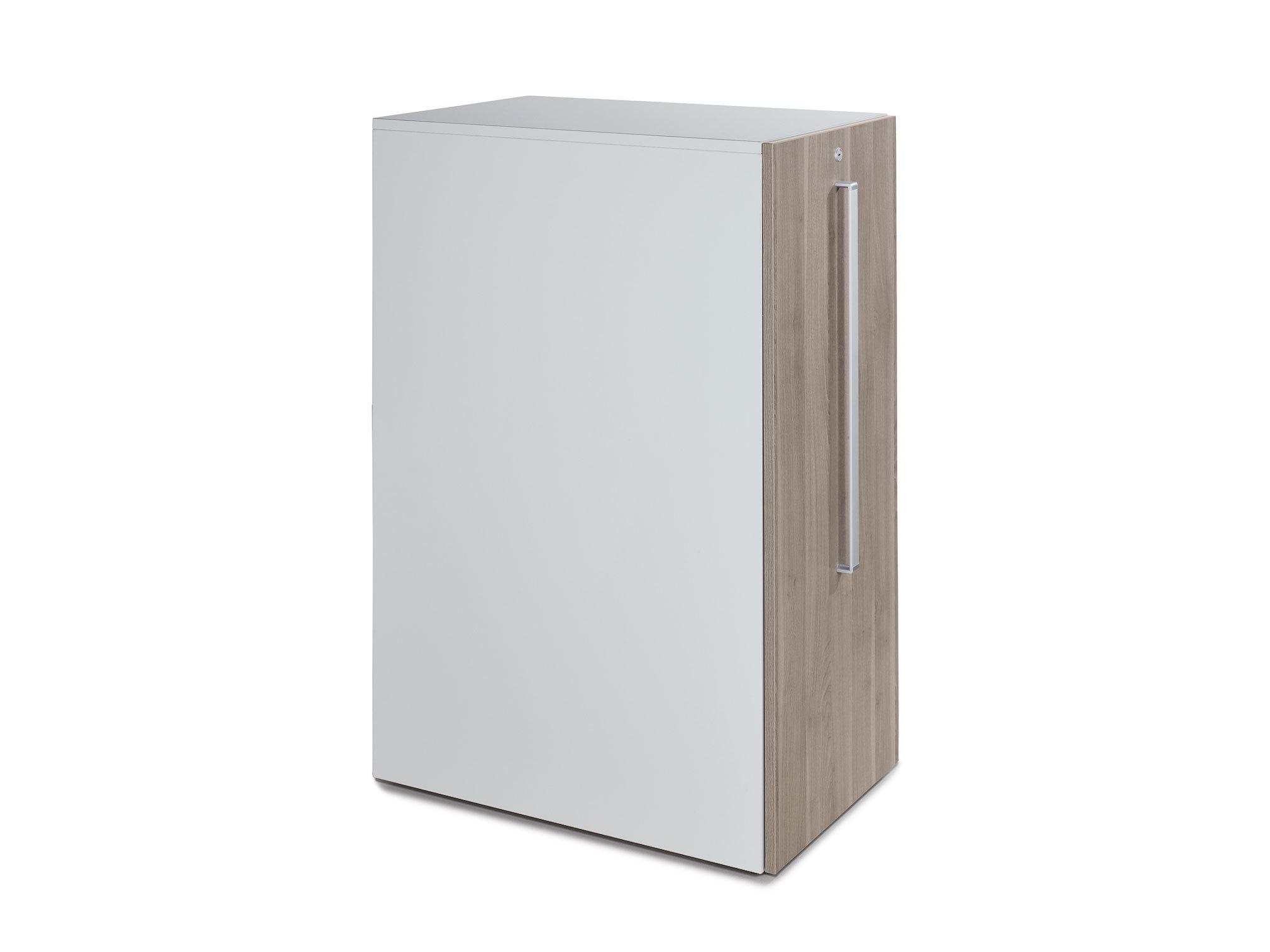 Apothekerschrank von Steelcase | STYLEPARK
