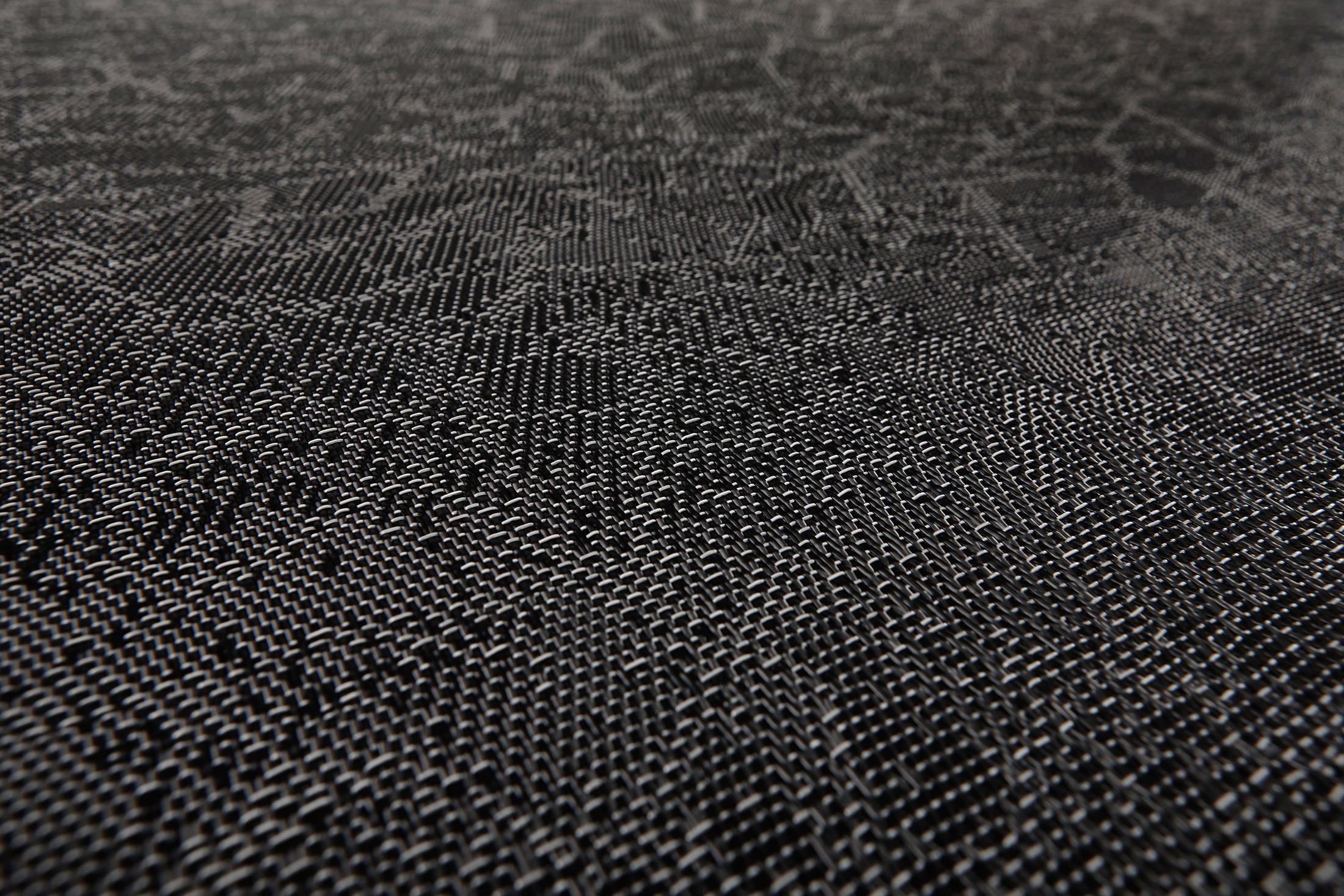 Graphic Texture Black By Bolon Stylepark
