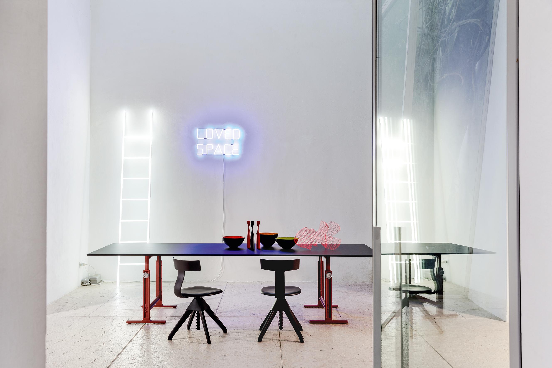 ... BRUT High Adjustable Table ...