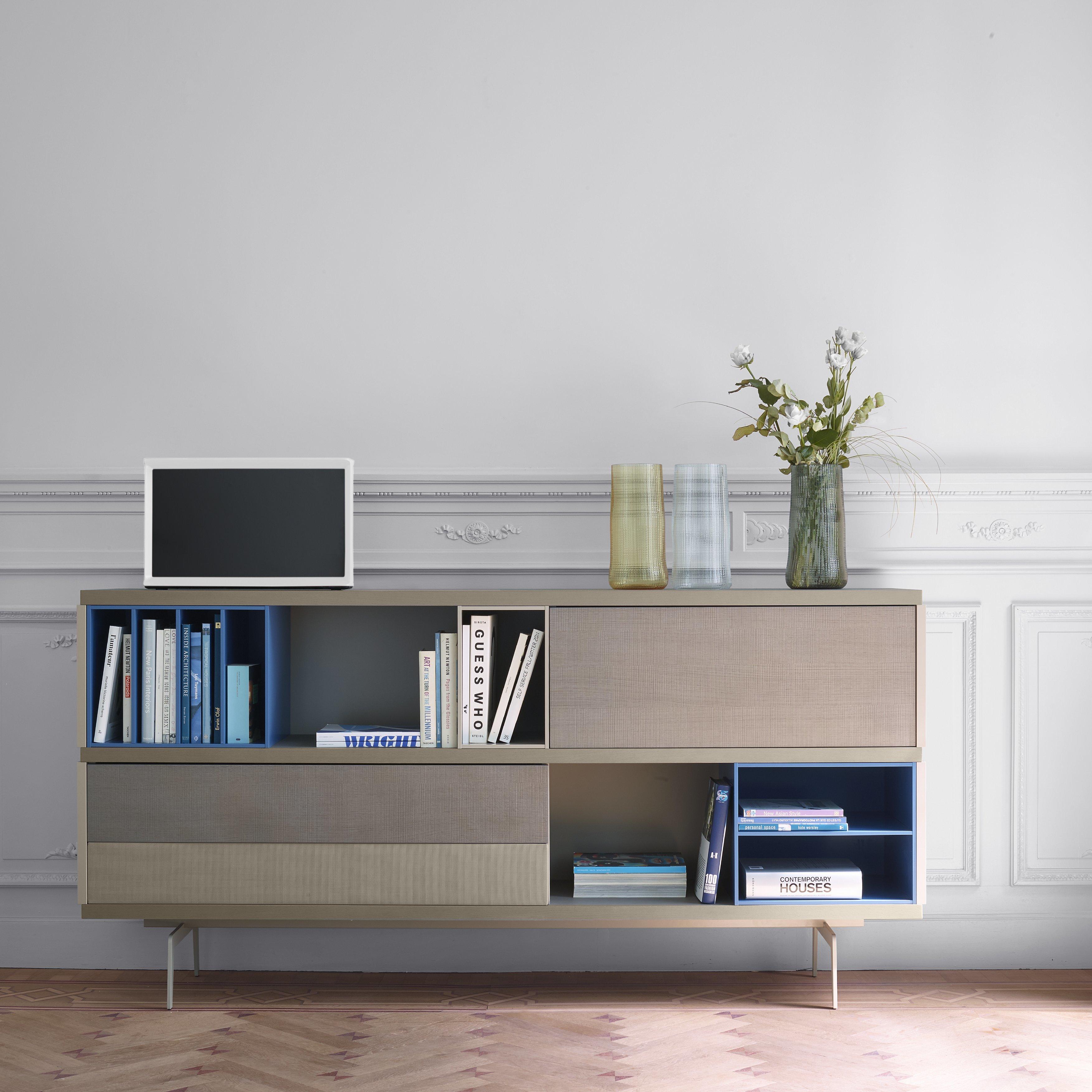 car light vase by ligne roset stylepark. Black Bedroom Furniture Sets. Home Design Ideas