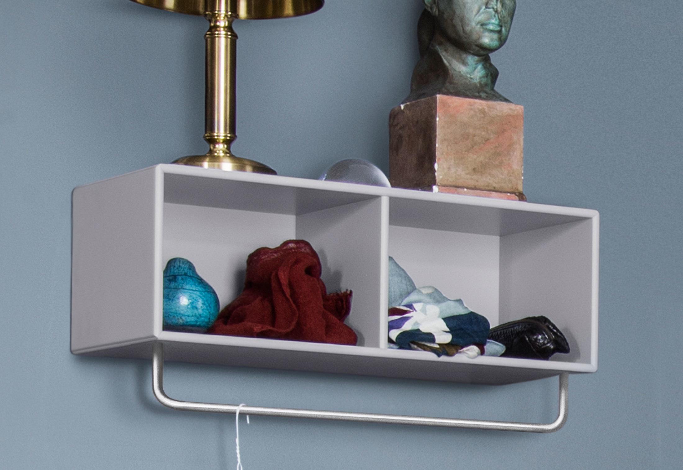 hall regal mit kleiderstange von montana stylepark. Black Bedroom Furniture Sets. Home Design Ideas