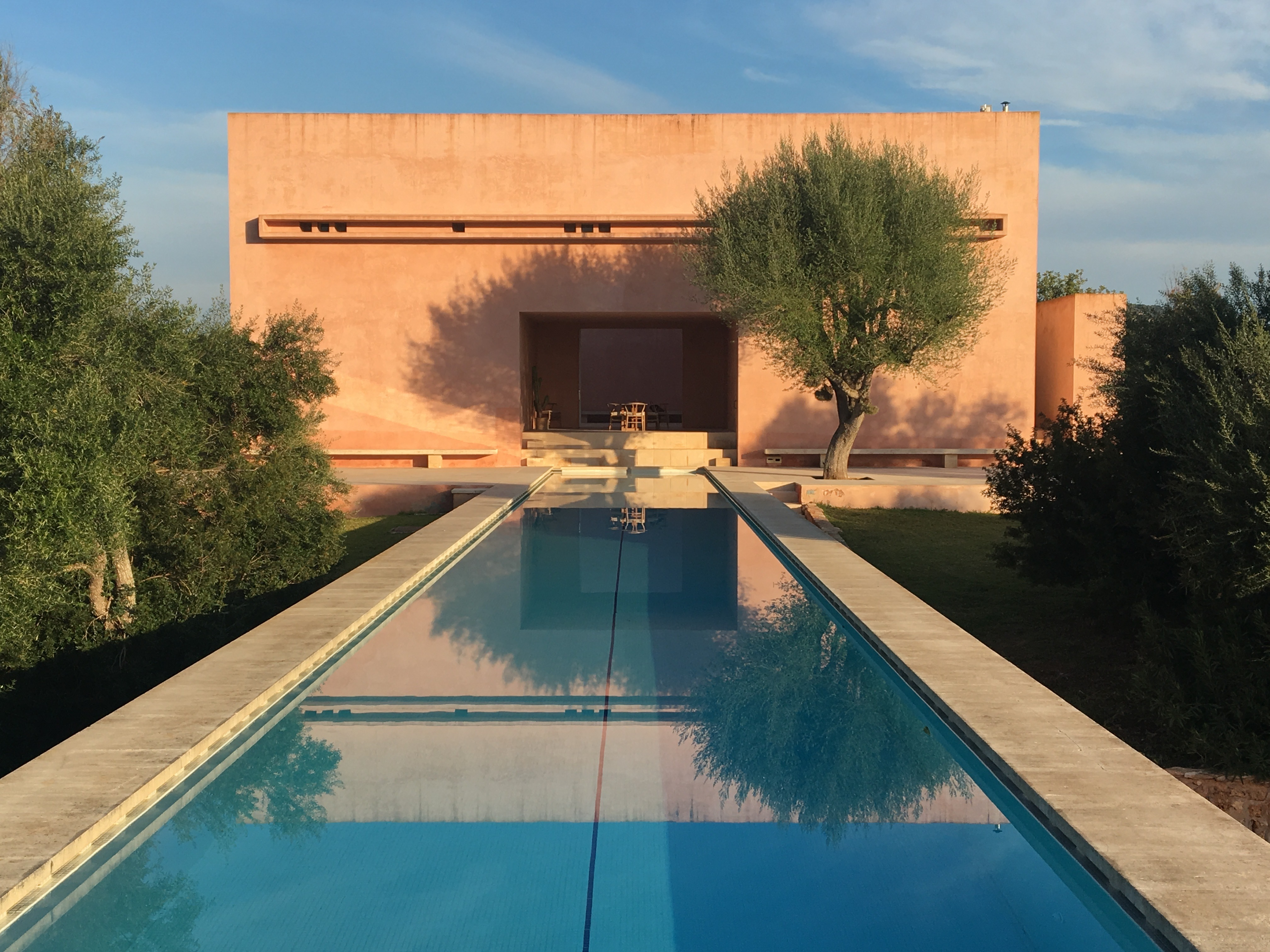 The neuendorf house by john pawson and claudio silvestrin stylepark pool in front of the fortress like home malvernweather Choice Image