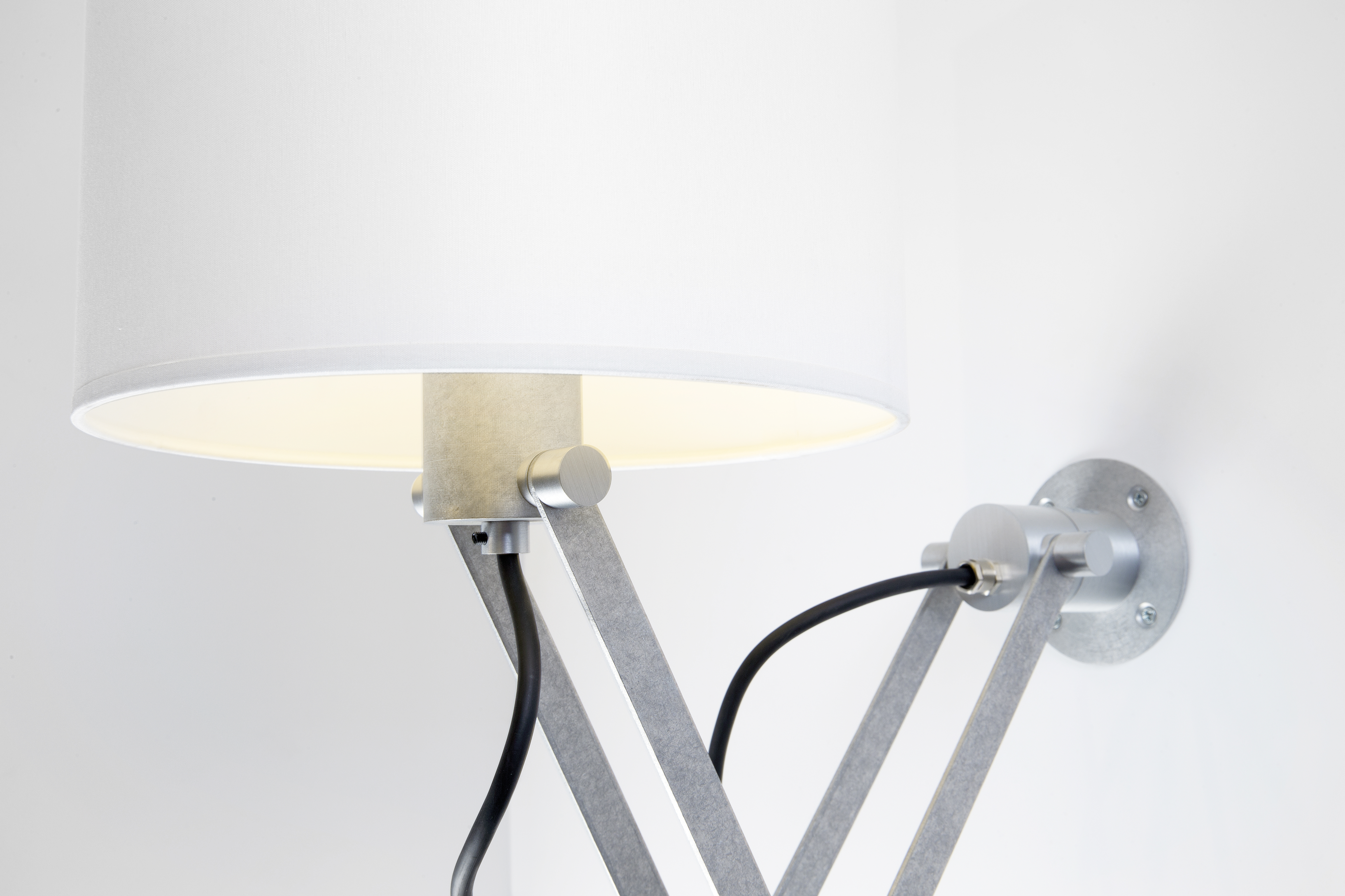 Modular Nomad Lamp : Nomad minimal by modular lighting instruments stylepark
