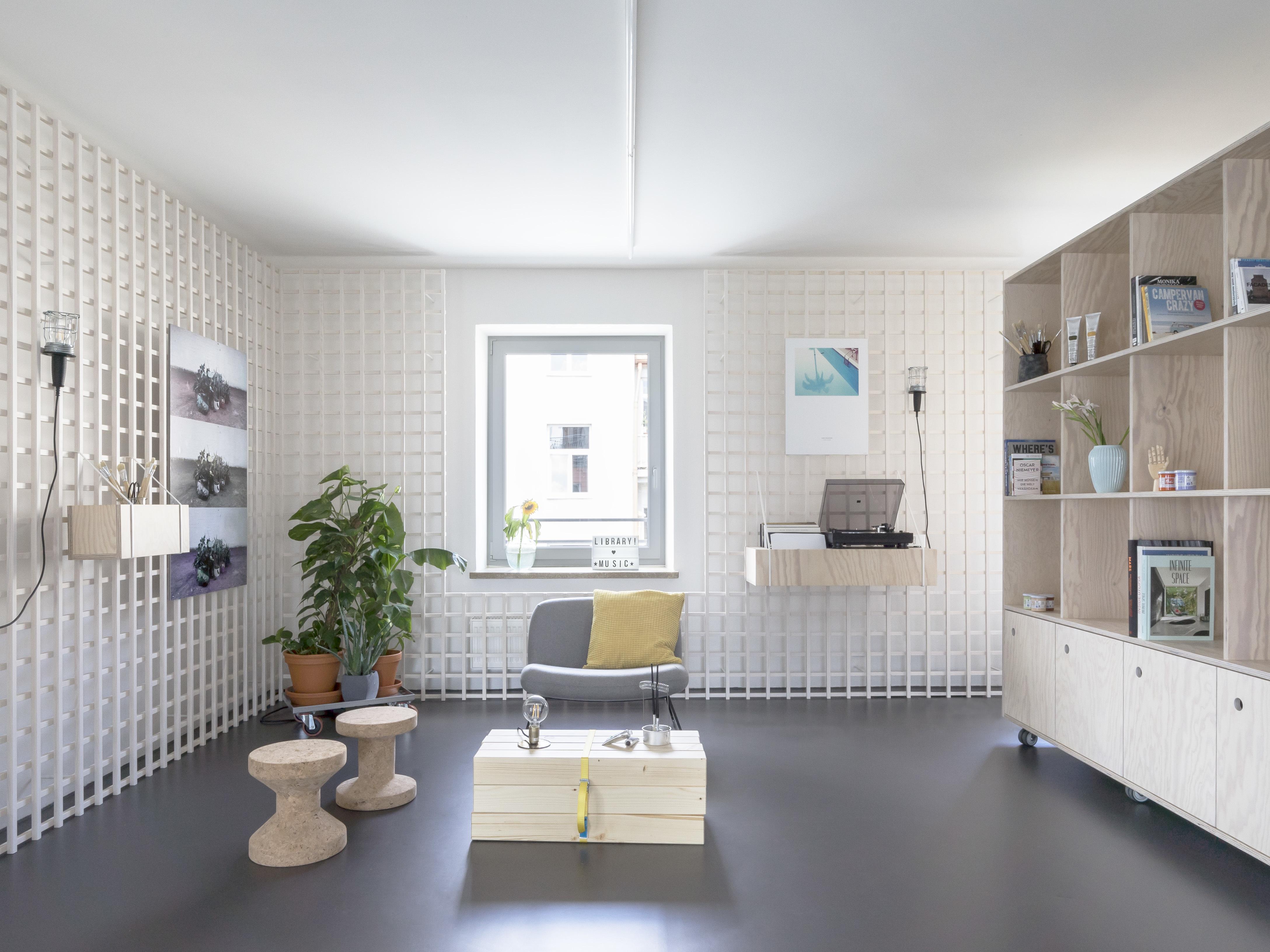 With Untreated Wood The Architecture Studio Von M Kept Interior Design Of Creative Space Deliberately Unrefined