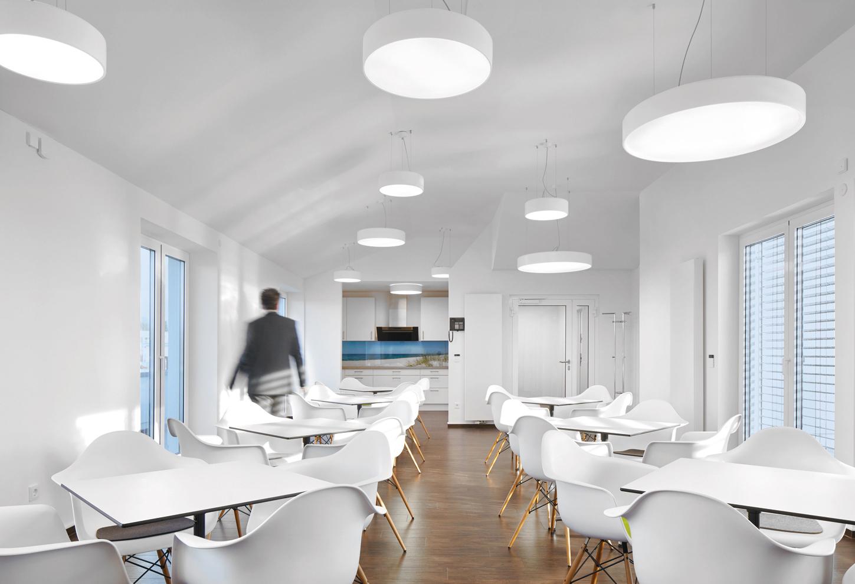 die led leuchtenfamilie mit tunablewhite technologie von zumtobel stylepark. Black Bedroom Furniture Sets. Home Design Ideas