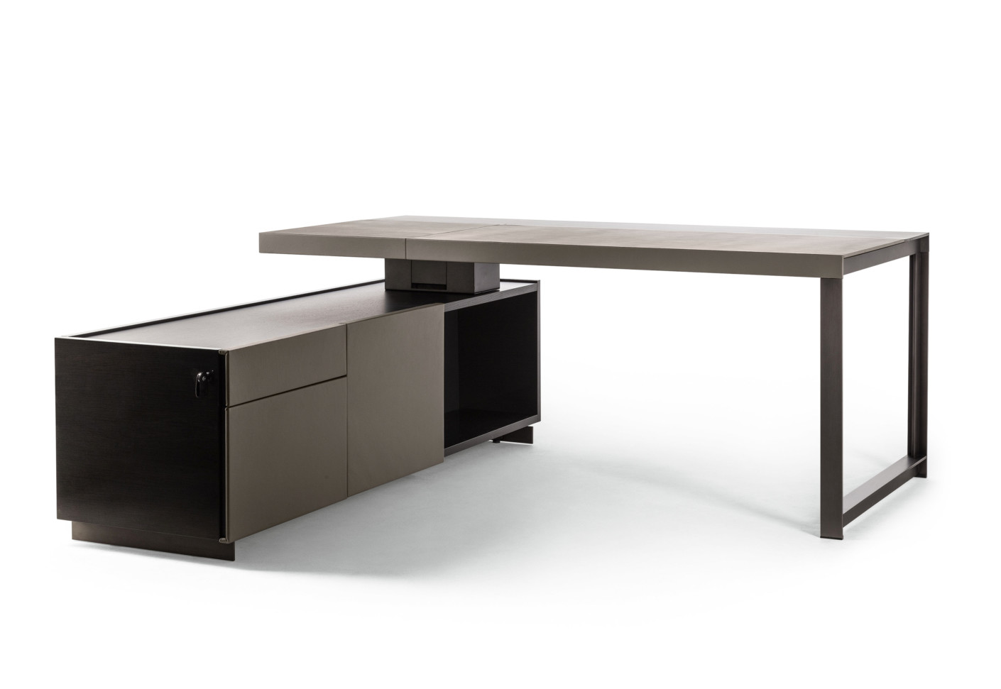 Jobs President Desk Small By Poltrona Frau Stylepark