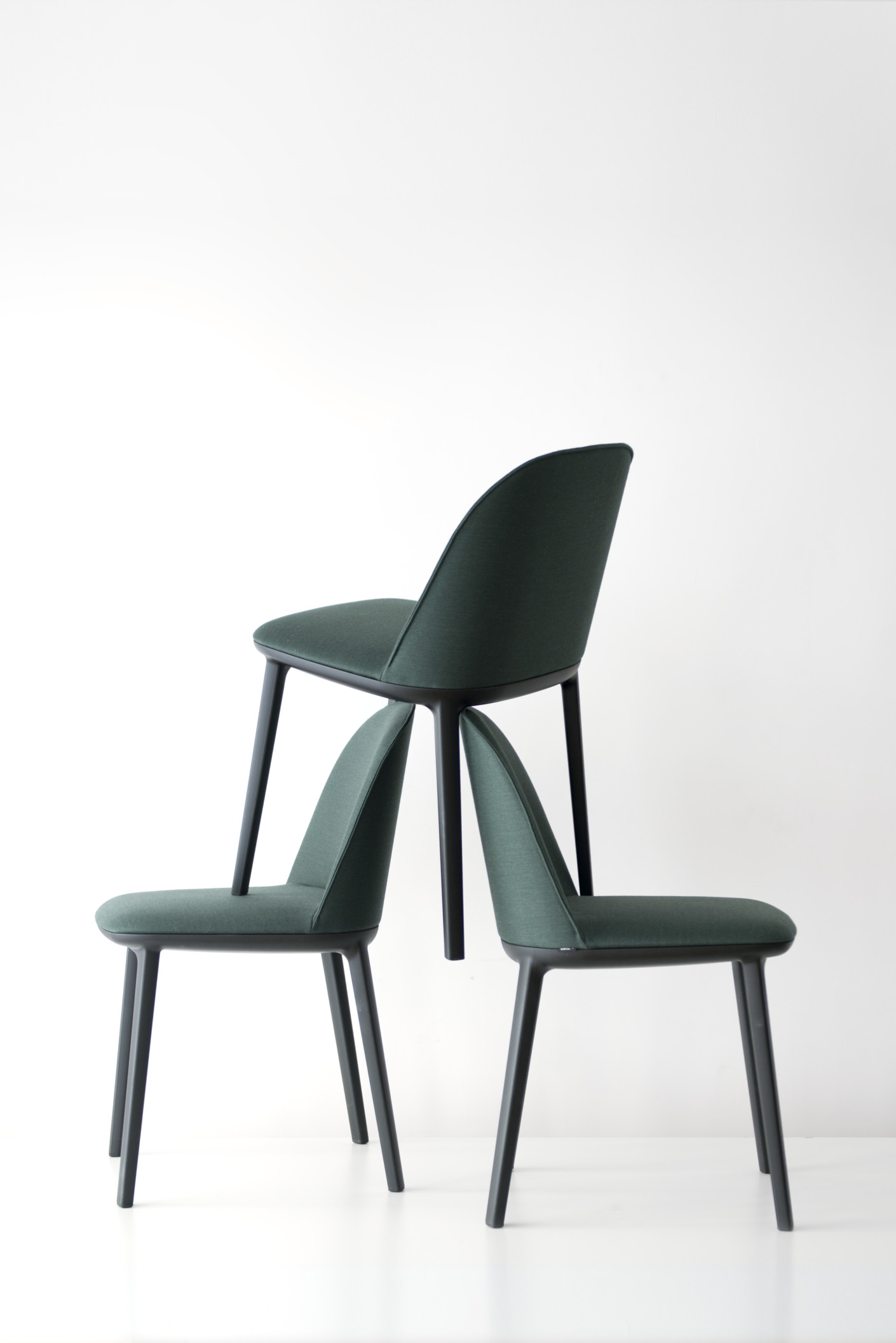 softshell side chair by vitra stylepark. Black Bedroom Furniture Sets. Home Design Ideas