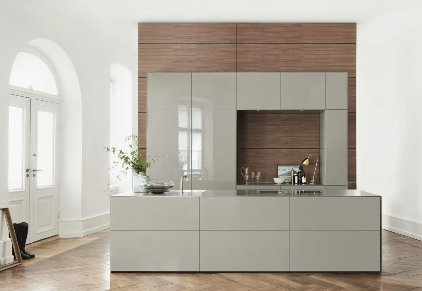 Bulthaup b3 rotary sliding door cabinet by bulthaup stylepark - Bulthaup en ...
