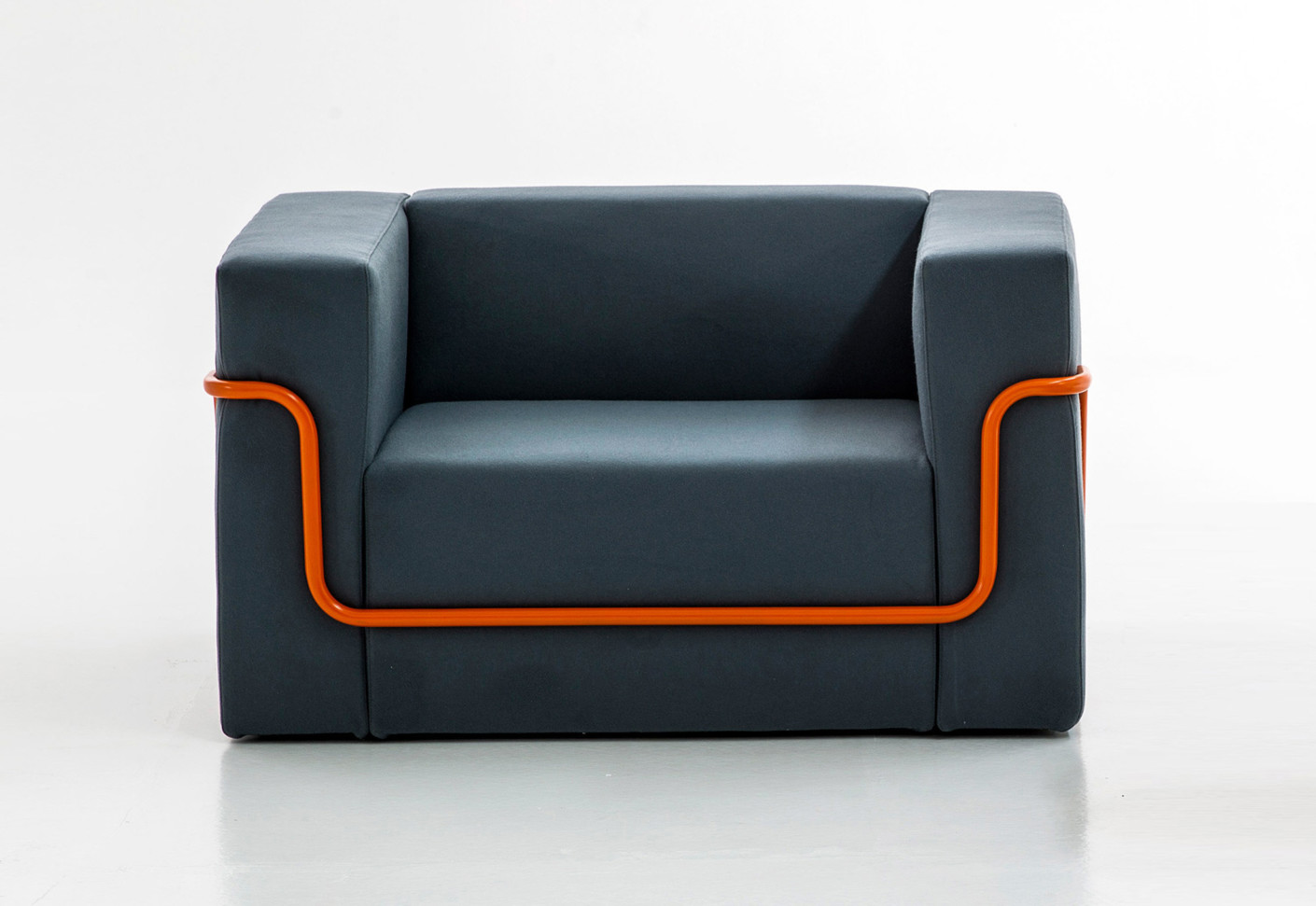 conduit armchair by moroso stylepark. Black Bedroom Furniture Sets. Home Design Ideas