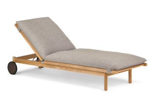TIBBO beach chair  by  DEDON