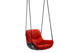莱娅摇摆座椅由Freifrau