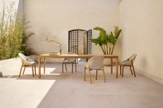 Illum teak dining table  by  Tribù