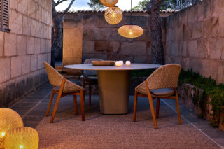 Tao dining table  by  Tribù