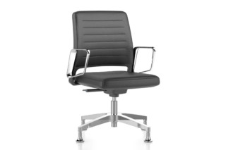 VINTAGEis5 conference armchair with low backrest  by  Interstuhl