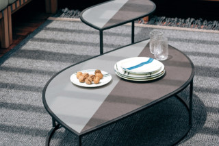 LEAF side and coffee tables  von  Roda