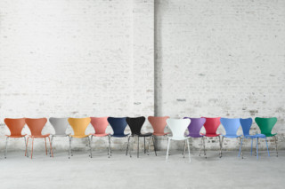 SERIES 7™ - 3107  by  Fritz Hansen