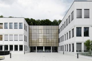 concrete skin, Akademisches Gymnasium Salzburg  von  Rieder