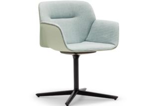 Nuez Chair Vierstern-Fuß  von  Andreu World