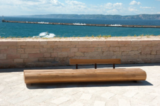 Migration bench L  by  CYRIA