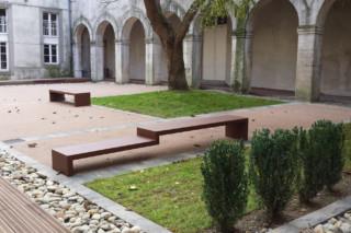 Eudald bench II  by  CYRIA