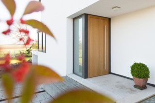 Natürliche Design Haustüren  von  ComTür