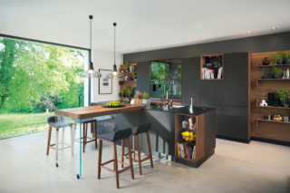 black line kitchen  by  TEAM 7