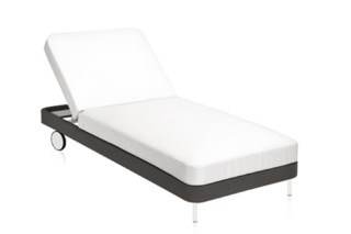 Käbu chaise longue with wheels C762  by  Expormim
