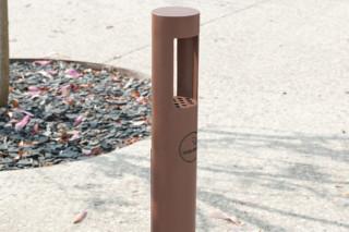 绝对伏特加的烟灰缸by  CYRIA