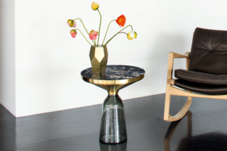 Bell Table marble  von  ClassiCon