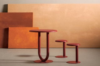 Strong bar table  von  Desalto