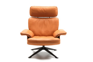 DS-31 armchair with head rest  by  de Sede
