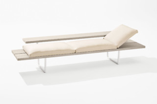 Orizon chaise longue  by  Fast