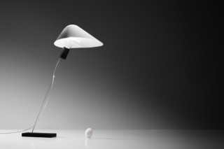 Glatzkopf table lamp  by  Ingo Maurer