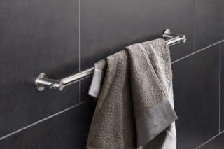 Towel rail HS20-55-600V  by  PHOS
