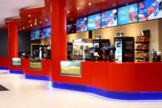 Cines Odeon Sambil 6704. Navy Blue, 6405. Happy Red  von  KRION