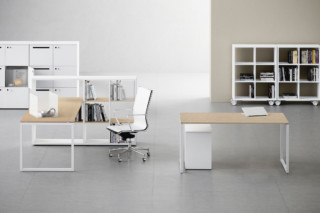 Framework 2.0 desk  by  Fantoni