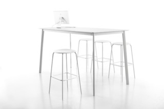 PRO High Table  by  Flötotto