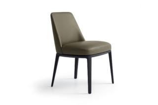 Sophie stool  by  Poliform
