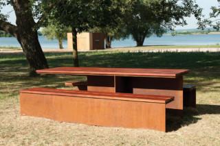 Monsieur table  by  CYRIA