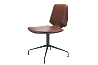 Tilda Chair mit Sternfuß  von  Freifrau