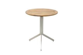 Yix folding table  by  solpuri
